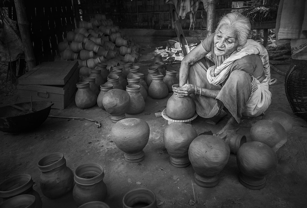 Majuli-Age-old-pot-making-by-hand-Shalmara-Village
